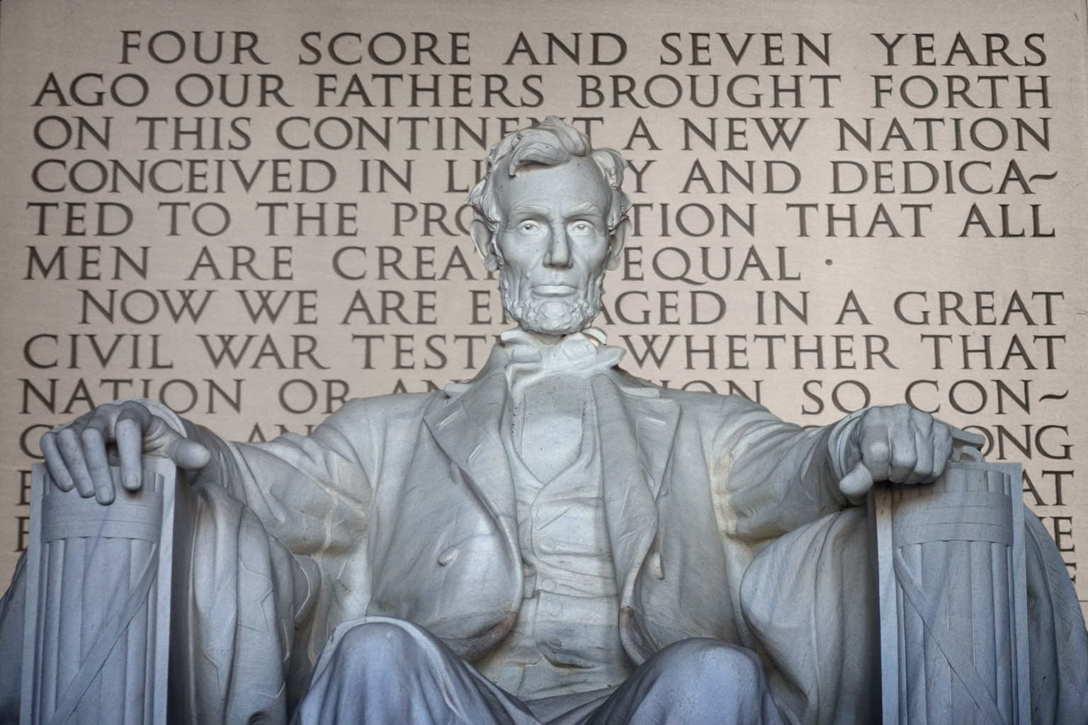 How should I begin my essay on the Gettysburg Address?
