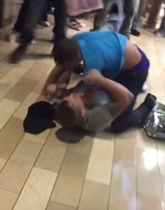 Thanksgiving Night, 2015? A spontaneous photograph of early Black Friday violence sweeps the internet.